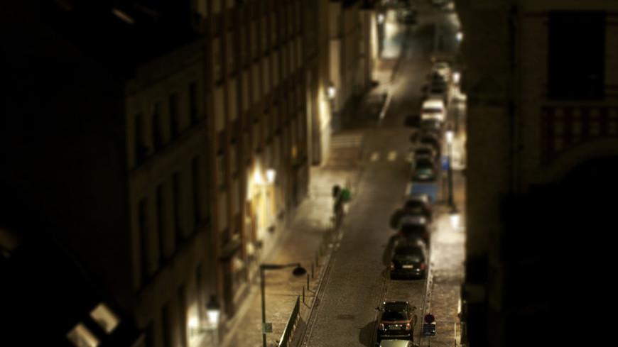 Водители в Тбилиси из-за нехватки парковок нарушают ПДД