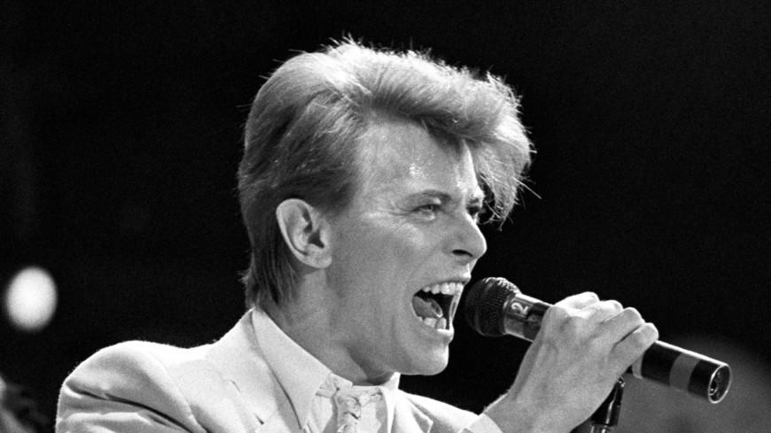 Легендарный певец Дэвид Боуи умер от рака
