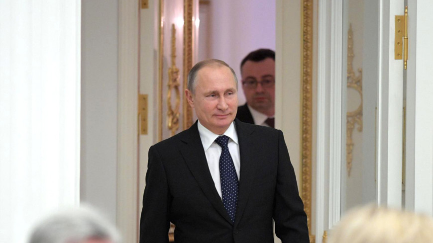 Путин отчитал главу РАН за чиновников-академиков