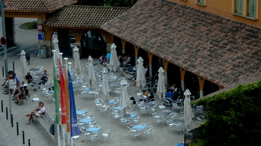 Фанаты «Шальке» разгромили кафе в Салониках