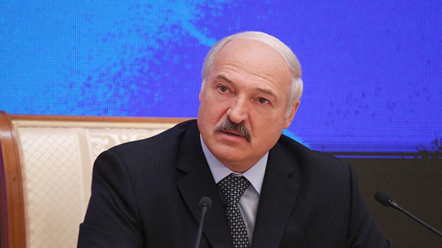 Лукашенко поручил наладить работу сельхозпредприятий