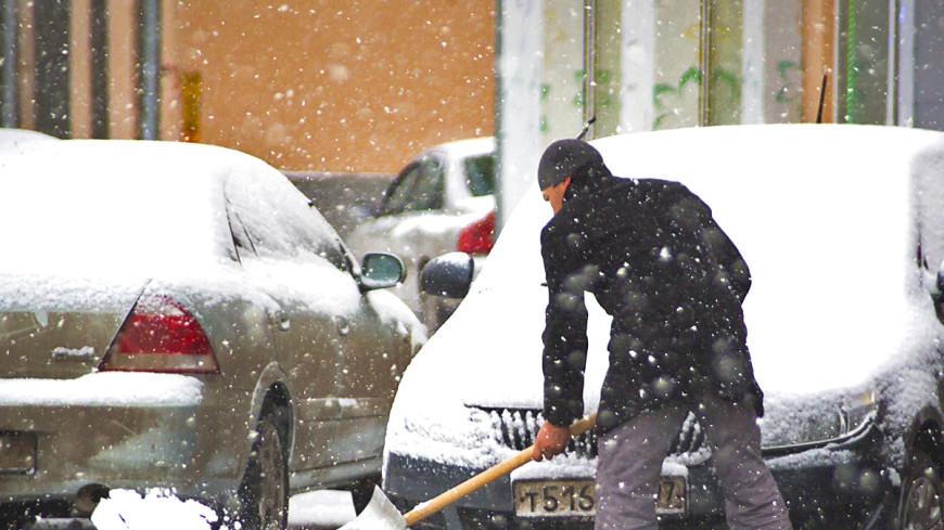 Снегопад в Петербурге вызвал восьмибалльные пробки