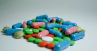 Чиновники Кыргызстана обещают сохранить цены на лекарства