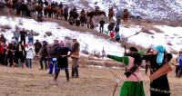 Охота по-киргизски с беркутом и луком