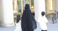 Арабский шейх взял под опеку палестинского ребенка