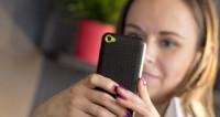 Приложение для взрослых берет смартфон «в заложники» и требует выкуп
