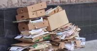 Казахстанский дизайнер делает деньги из мусора