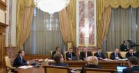 Медведев предложил поставлять газ в Донбасс в виде гумпомощи