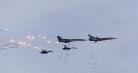 Видео авиаударов российского Су-24М в Сирии опубликовало Минобороны