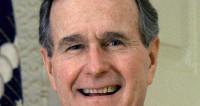 Буш-страший прыгнул с парашютом в день своего 90-летия