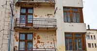 Новостройка в Алматы превратилась в «Пизанскую башню»