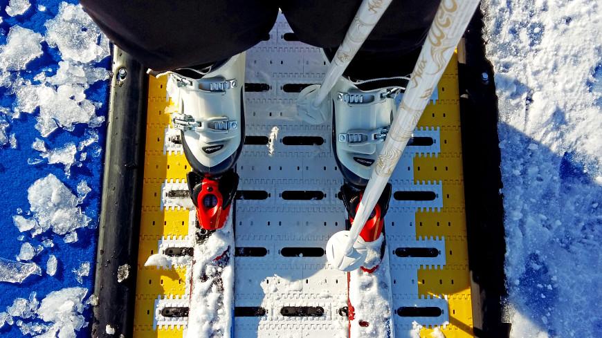 Школьник отморозил ноги из-за потерянных на физкультуре лыж