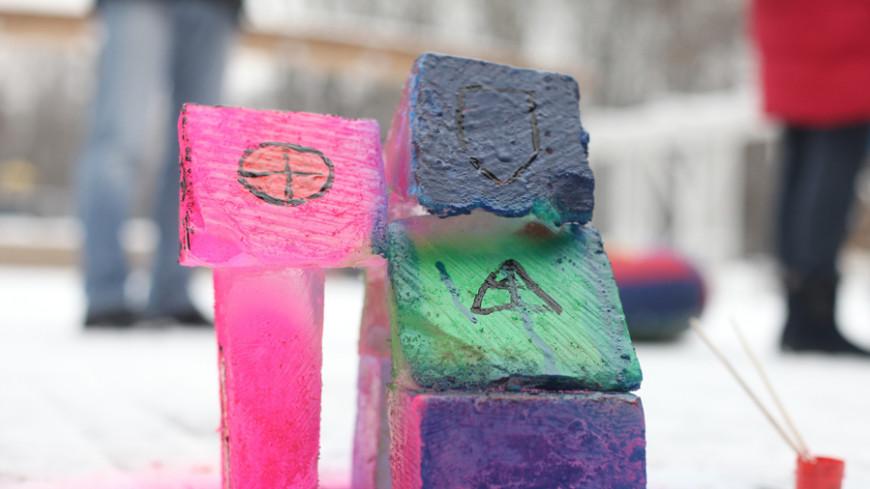 Льдинка к льдинке: в Сокольниках развернулась сказочная стройка