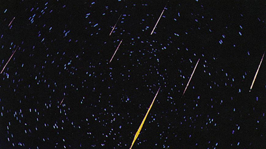 Сгорающие в атмосфере метеоры раскрасят небо над Москвой