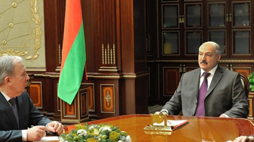 «Люди не должны быть бедными»: Лукашенко призвал повышать зарплаты