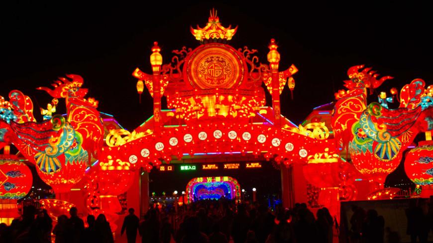 В Китае проходит фестиваль фонарей