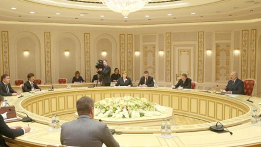 Лукашенко: Регионы Беларуси и России должны сотрудничать теснее