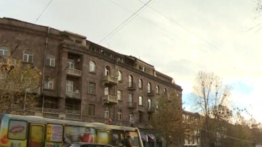 Водители Еревана недовольны работой платных парковок