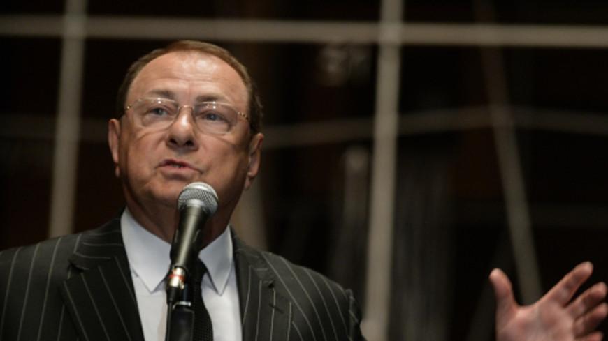 Водителя директора «Ленкома» оштрафовали за езду по тротуару