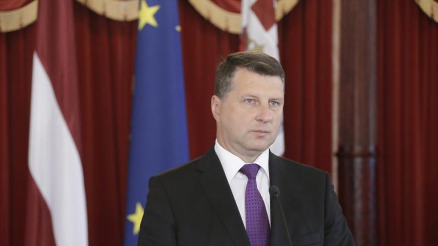 Президент Латвии отправил правительство в отставку