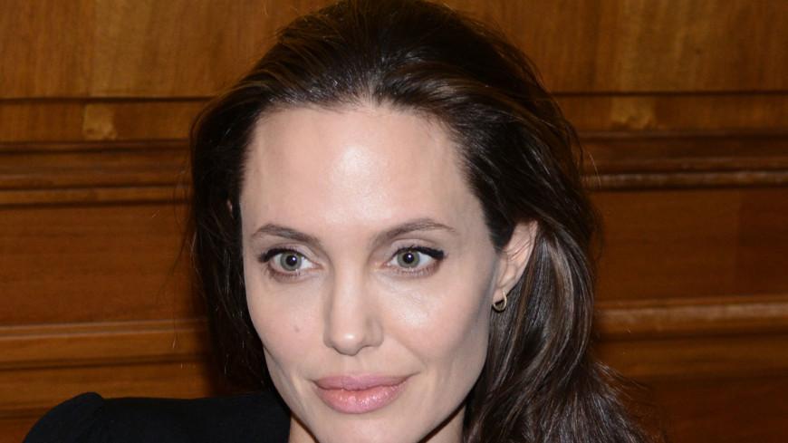 «Умирающая» Анджелина Джоли появилась на публике