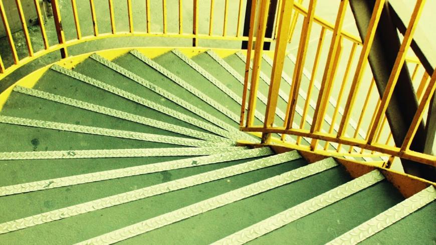 Не хочешь глупеть - ходи по лестнице