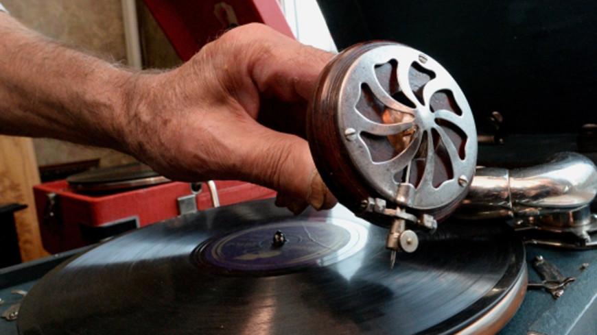 Музыка как лекарство: как любовь к винилу помогла коллекционеру преодолеть инсульт