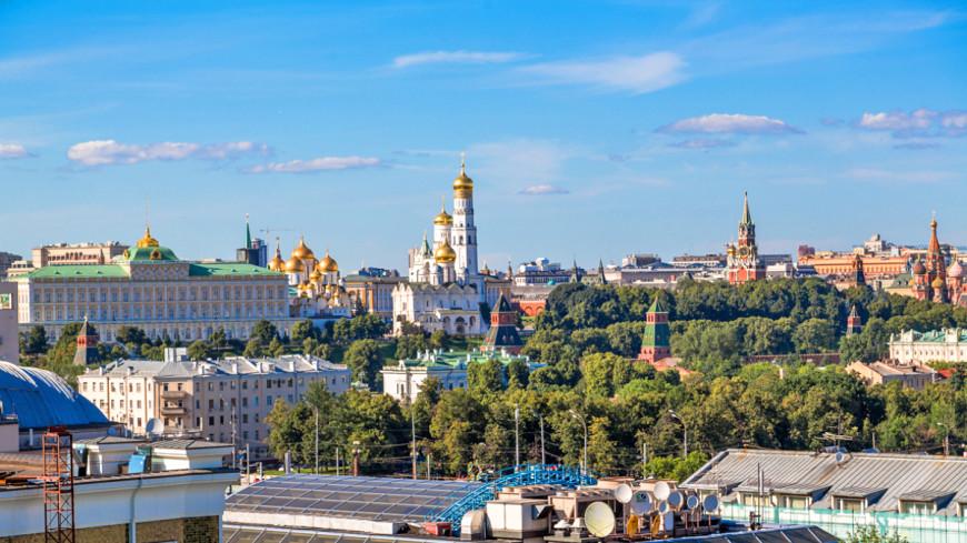 Кровля рухнула в доме напротив Кремля
