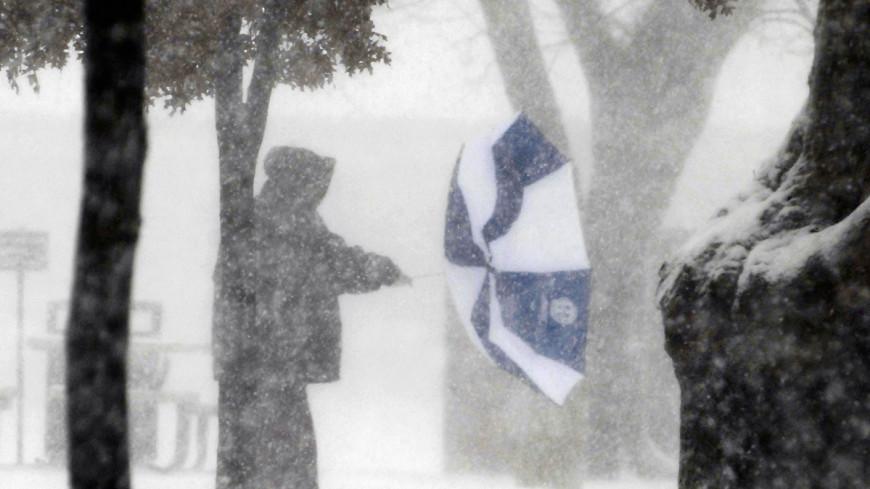 Снегопад в Москве ослабнет лишь после вечернего часа пик