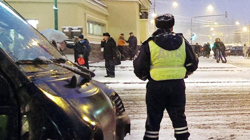 На МКАД опрокинулся автобус с рабочими: ранены 11 человек