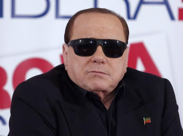 Девушки, масонство и футбол: все это Берлускони