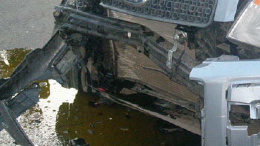 В Хабаровске легковушка столкнулась с маршруткой