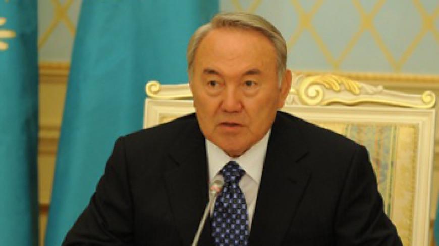 Нурсултан Назарбаев стал «Почетным старейшиной нации» в Туркменистане