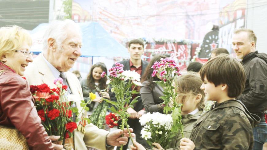 Пенсионеры в России отмечают Международный день пожилых людей