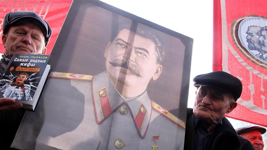 Левада: более половины россиян одобряют роль Сталина в истории