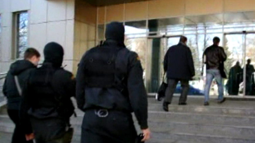 Полиция проводит обыски в Госстрое России
