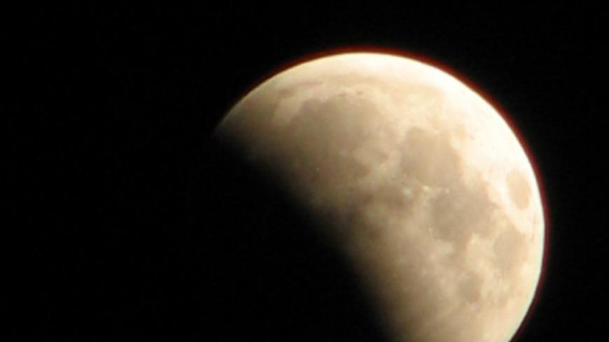 Полное лунное затмение произойдет 8 октября