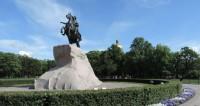 Город не для скуки: как проводят лето в Петербурге