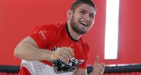 Боец Нурмагомедов по-дружески ударил фаната