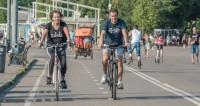 По главной улице с ветерком: в Минске прошел массовый велопробег