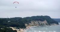 Фигурант дела о покраске звезды на высотке погиб при прыжке с парашютом