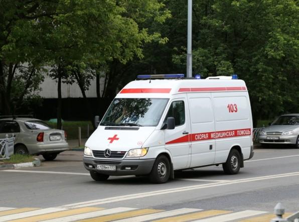 Пьяный москвич угодил в больницу, пытаясь сделать себе обрезание