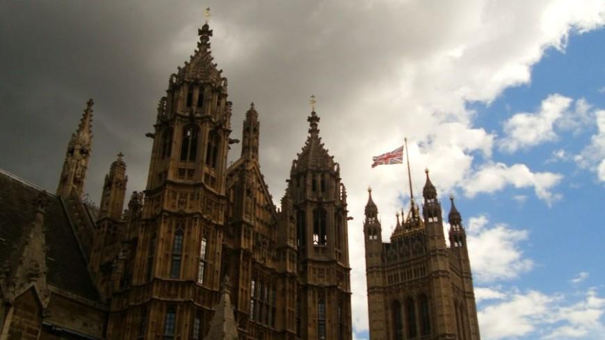 Из-за «Офелии» небо над Великобританией стало горчичным