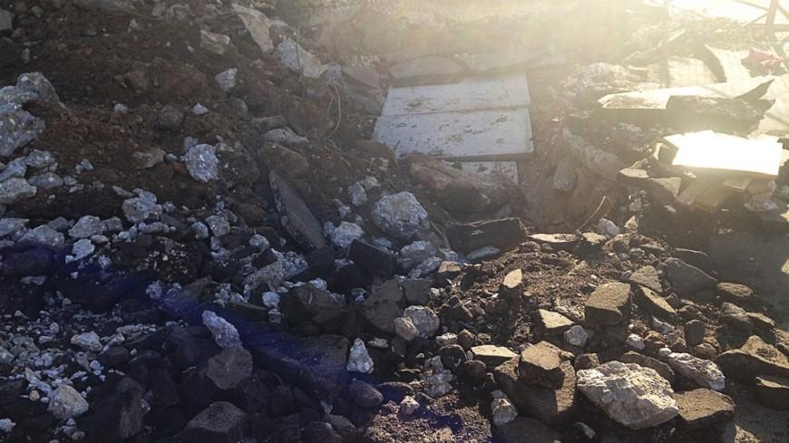 """Фото: Светлана Родина, """"«МИР 24»"""":http://mir24.tv/, руины, землетрясение, камни, разрушение"""