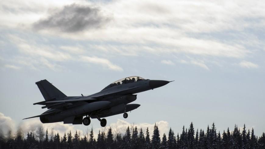 У берегов Окинавы потерпел крушение самолет ВМС США
