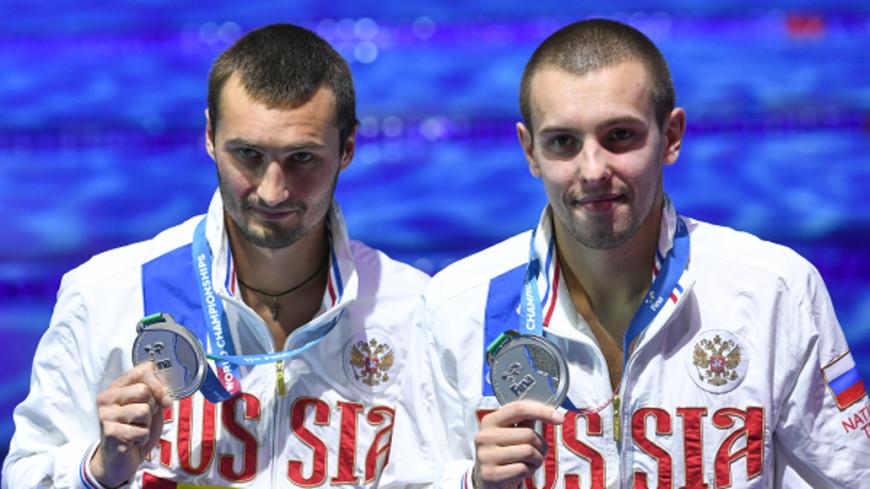 Минибаев и Бондарь взяли серебро ЧМ в синхронных прыжках с вышки