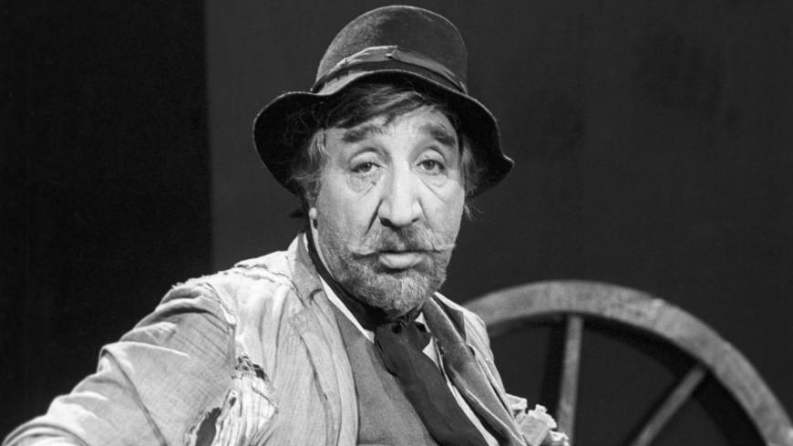 Фрунзик Мкртчян: Гениальный комик с печальными глазами
