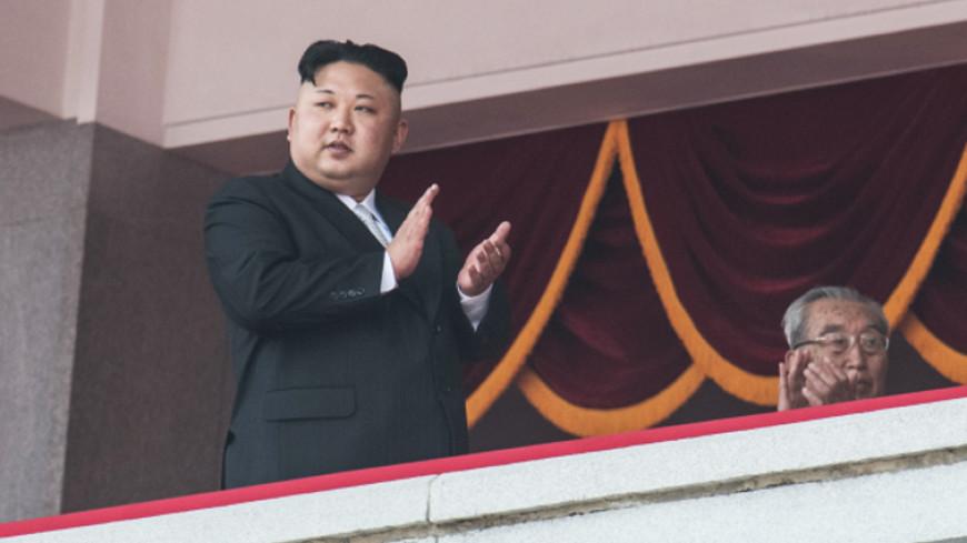 Руководитель КНДР раздал ордена имедали зауспешное испытание ракеты