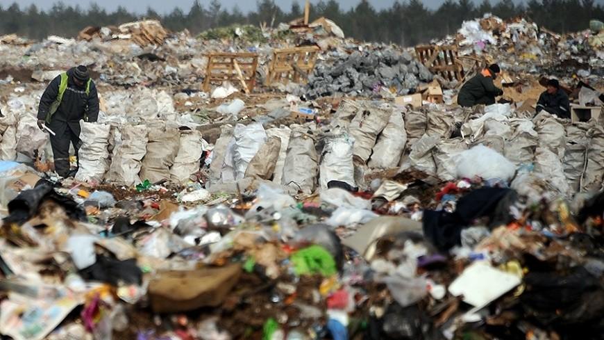 Незаконная свалка отравила лес в Свердловской области