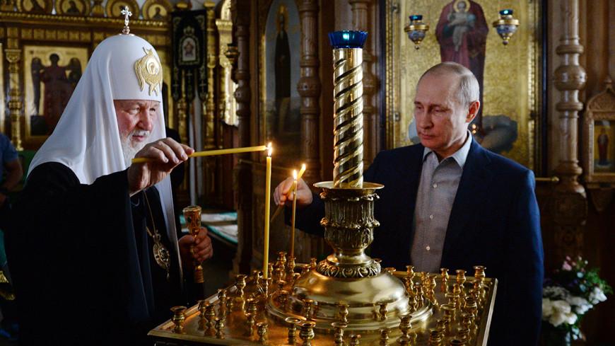 Пресс-секретарь патриарха раскрыл тайну красной коробки в автомобиле Путина